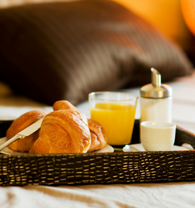 <p>Bed &<br>Breakfast</p>